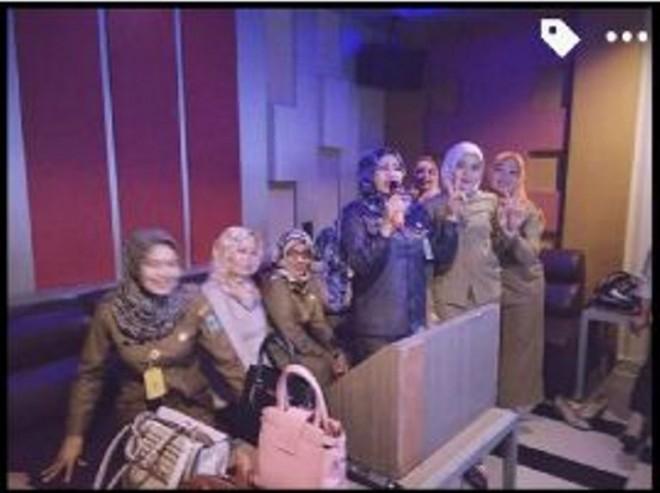 PNS di Tebo yang karaoke saat jam dinas