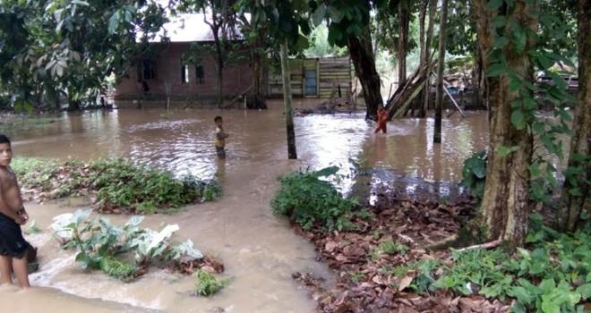 Banjir di Dusun Tanjung Belit Jujuhan.