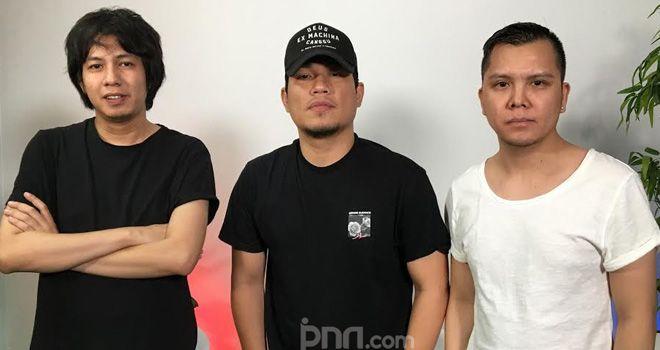Band Armada saat berkunjung ke Gedung Graha Pena, Jakarta Selatan, Rabu (27/11).
