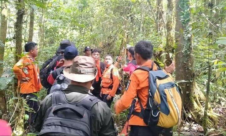 Hari kelima proses pencarian Ikhsan Al Mughoni (17) warga Karya Bakti, Pondok tinggi yang hilang di Danau Kaco Lempur pada Rabu (01/01/2020) lalu.