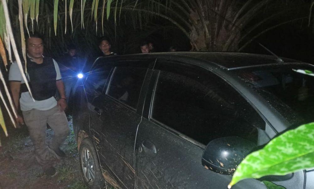 Kawanan Rampok Beraksi di Mestong, Mobil ditinggal di Kebun Sawit