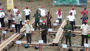 Bersama Gubernur, Kapolda Jambi serta Danrem 042 Garuda putih Tanam Mangrove
