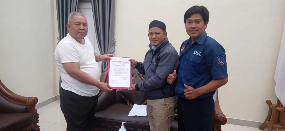 Bupati Safrial Surati Presiden Sampaikan Aspirasi Honorer.