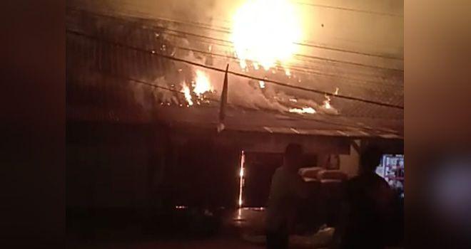 Satu Rumah dan Toko di Tebo Hangus Terbakar.