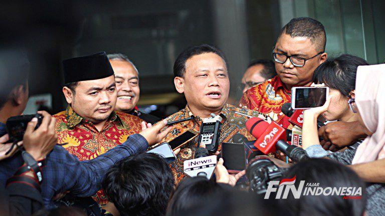 Ketua Bawaslu Abhan didampingi komisioner Bawaslu mendatangi gedung KPK, Jakarta, Kamis (11/4/2019).