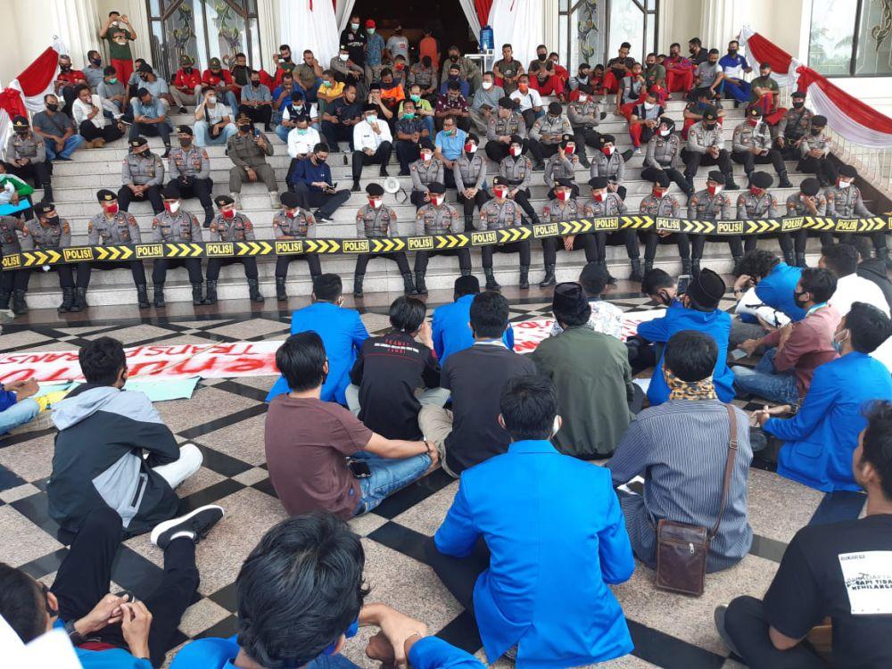 PKC PMII Jambi Geruduk Kantor Gubernur Jambi, Tuntut Transparansi Dana Covid19