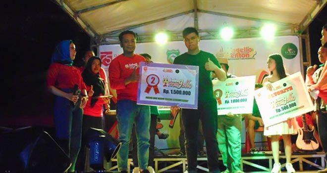 Suara Merdu, Tunanetra di Pangkep Ini Jadi Juara Lomba Kelong Magello