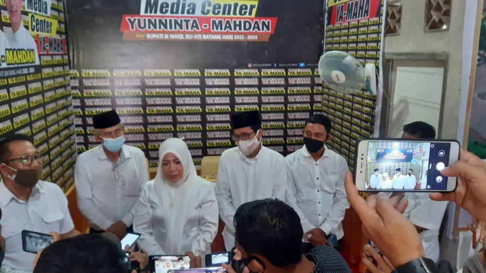 Media Center (MC) YA - MAHA di kawasan KONI Batanghari untuk meresmikan sekaligus menandatangani SK media center YA-MAHA.