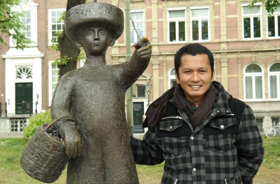 Ir. Nicco Plamonia, MT., M.Sc, PhD saat berada di salah satu tempat di Belanda.
