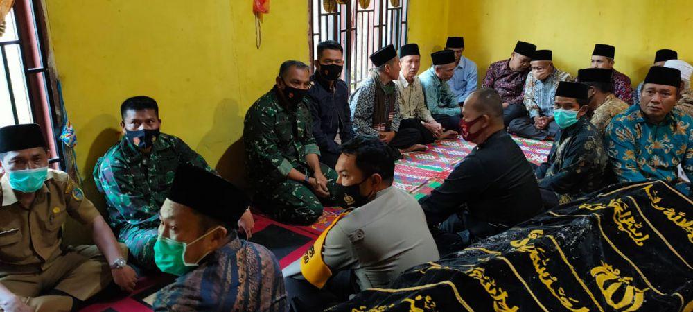 Konflik Antar Desa di Jambi, Kapolda dan Danrem 042/Gapu Takziah Ke Rumah Duka