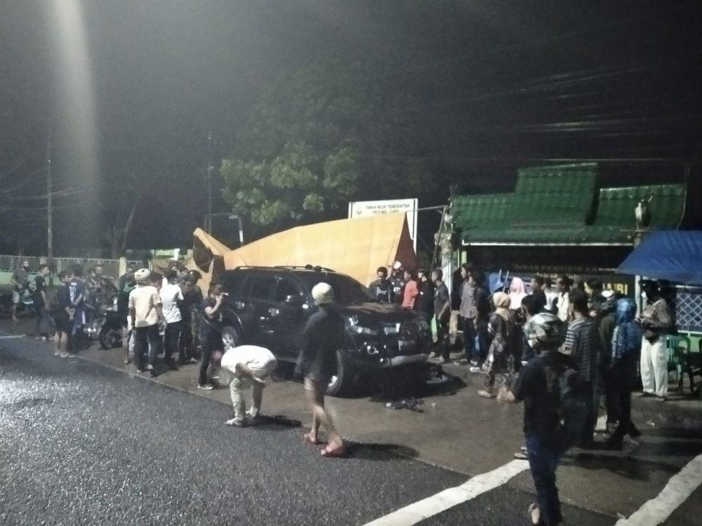 Mobil Mitsubishi Pajero yang yang hilang kendali dan menabrak pejalan kaki hingga tewas
