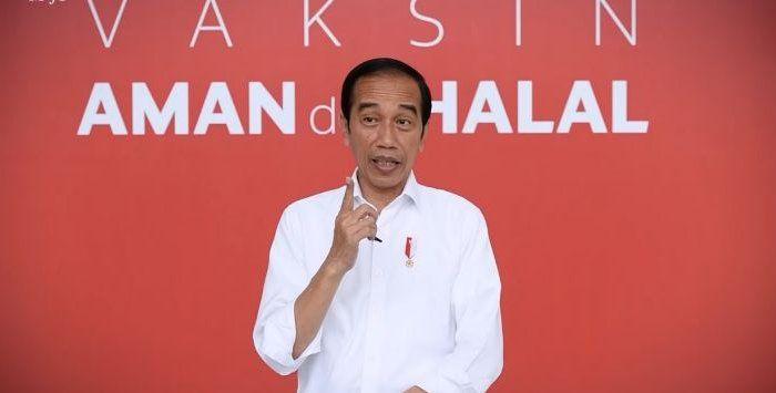 Presiden Jokowi usai disuntik Vaksin Covid-19.