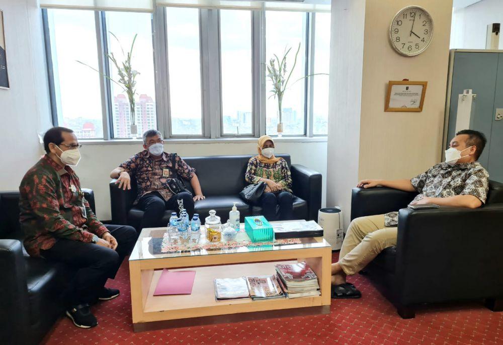 Sekretaris Dewan Emi Nopisah, Karo Pem Rahmad Hidayat dan Plt Karo Adpim Johansyah menemui Direktur FKDH Kemendagri.